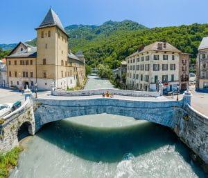 Vieux pont et Isère Moûtiers